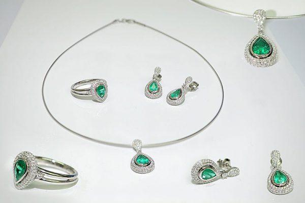 smaragd-collier-brillanten-goldschmiede-stoll
